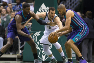 9633909-nba-charlotte-hornets-at-milwaukee-bucks-1-850x560