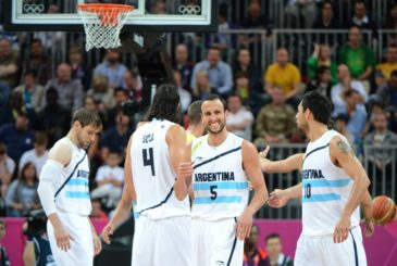 Argentinian guard Emanuel Ginobili (2dR) celebrates during the Men's Preliminary Round Group A basketball match Argentina vs Lithuania at the London 2012 Olympic Games , on July 29, 2012 in London.  AFP PHOTO /MARK RALSTON        (Photo credit should read MARK RALSTON/AFP/GettyImages)