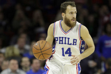 Sixers' Sergio Rodriguez dribbles the basketball against the Utah Jazz on Monday, November 7, 2016 in Philadelphia.  YONG KIM / Staff Photographer