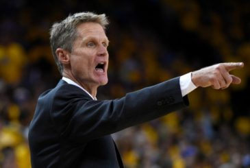 Jun 7, 2015; Oakland, CA, USA; Golden State Warriors head coach Steve Kerr during the third quarter against the Cleveland Cavaliers in game two of the NBA Finals at Oracle Arena. Mandatory Credit: Kyle Terada-USA TODAY Sports