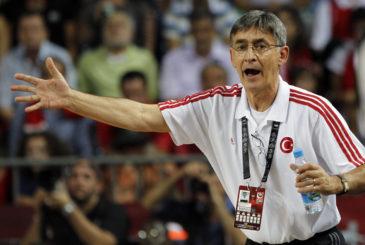 KOSARKA - WORLD BASKET 2010 - BOGDAN TANJEVIC, selektor Turske, na utakmici protiv Srbije. Istanbul, 11.09.2010.                  photo:Mindaugas Kulbis/MN Press