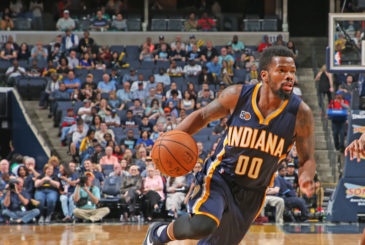 MEMPHIS, TN - MARCH 29:  Aaron Brooks #00 of the Indiana Pacers handles the ball during a game against the Memphis Grizzlies on March 29, 2017 at FedExForum in Memphis, Tennessee. NOTE TO USER: User expressly acknowledges and agrees that, by downloading and/or using this photograph, user is consenting to the terms and conditions of the Getty Images License Agreement. Mandatory Copyright Notice: Copyright 2017 NBAE (Photo by Joe Murphy/NBAE via Getty Images)