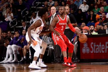 PHOENIX, AZ - NOVEMBER 16:  Chris Paul #3 of the Houston Rockets handles the ball against the Phoenix Suns on November 16, 2017 at Talking Stick Resort Arena in Phoenix, Arizona. NOTE TO USER: User expressly acknowledges and agrees that, by downloading and or using this photograph, user is consenting to the terms and conditions of the Getty Images License Agreement. Mandatory Copyright Notice: Copyright 2017 NBAE (Photo by Michael Gonzales/NBAE via Getty Images)