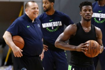 SHENZHEN, CHINA - OCTOBER 04:  Head coach Tom Thibodeau(L) and Jimmy Butler #23 of the Minnesota Timberwolves looks on during practice at Shenzhen Gymnasium as part of 2017 NBA Global Games China on October 4, 2017 in Shenzhen, China.  (Photo by Zhong Zhi/Getty Images)