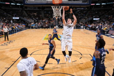 DENVER, CO - DECEMBER 19:  Nikola Jokic #15 of the Denver Nuggets goes to the basket against the Dallas Mavericks on December 19, 2016 at the Pepsi Center in Denver, Colorado. NOTE TO USER: User expressly acknowledges and agrees that, by downloading and/or using this Photograph, user is consenting to the terms and conditions of the Getty Images License Agreement. Mandatory Copyright Notice: Copyright 2016 NBAE (Photo by Garrett Ellwood/NBAE via Getty Images)