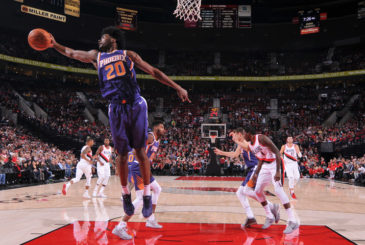 PORTLAND, OR - OCTOBER 3:  Josh Jackson #20 of the Phoenix Suns grabs the rebound against the Portland Trail Blazers on October 3, 2017 at the Moda Center in Portland, Oregon. NOTE TO USER: User expressly acknowledges and agrees that, by downloading and or using this Photograph, user is consenting to the terms and conditions of the Getty Images License Agreement. Mandatory Copyright Notice: Copyright 2017 NBAE (Photo by Sam Forencich/NBAE via Getty Images)